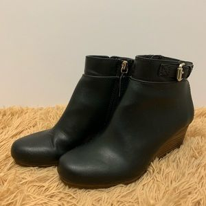 Dr Scholl's Black Wedge Ankle Booties Size 6